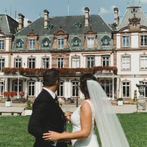 Couple américain pour mariage en France