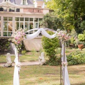 Arche de cérémonie fleuri à Paris