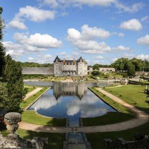 Chateau la Roche Courbon pour jolie journée de mariage