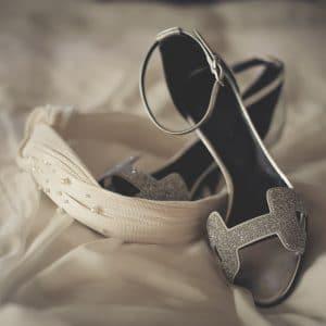 Chaussures de mariée avec coiffe élégante