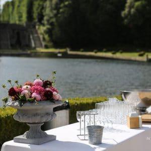Composition florale par Elisabeth Delsol pour un mariage de luxe