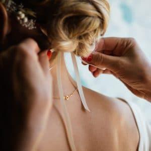 Coiffure de mariée avec ruban