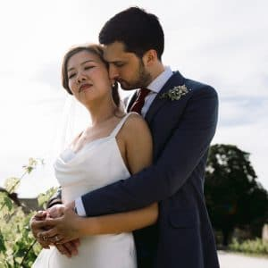 Couple amoureux dans un château de princesse bordelais