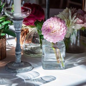 Décoration de table avec soliflores