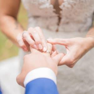 Echange d'alliances pour mariage Estonien
