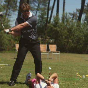 Joueur de golf pour journée de mariage et week-end entre amis