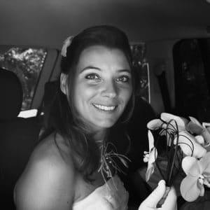Arrivée de la Mariée en voiture pour son mariage