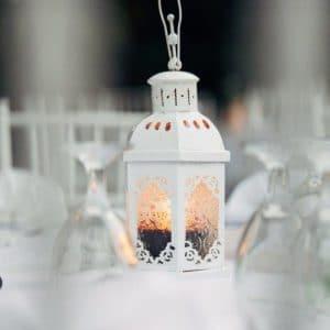 Décoration zen avec lanternes balinaises