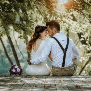 Couple romantique pendant séance photo