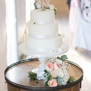 Naked cake pour mariage de destination anglais en France