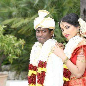 Couple indien après leur mariage