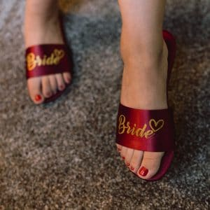 Préparatifs de mariage pour future mariée