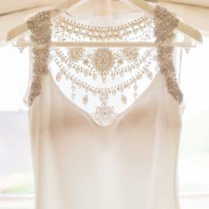 Magnifique robe de mariée avec strass et diamants