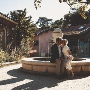 Couple de jeunes mariés lors d'un mariage au Cap Ferret