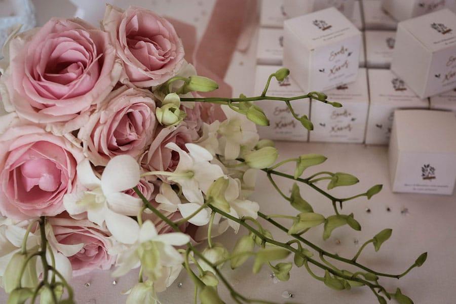 Bougies personnalisées en cadeau invité