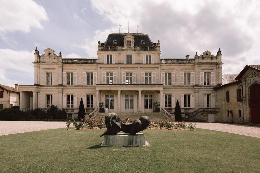 Un magnifique château bordelais entouré de vignobles, pour se marier