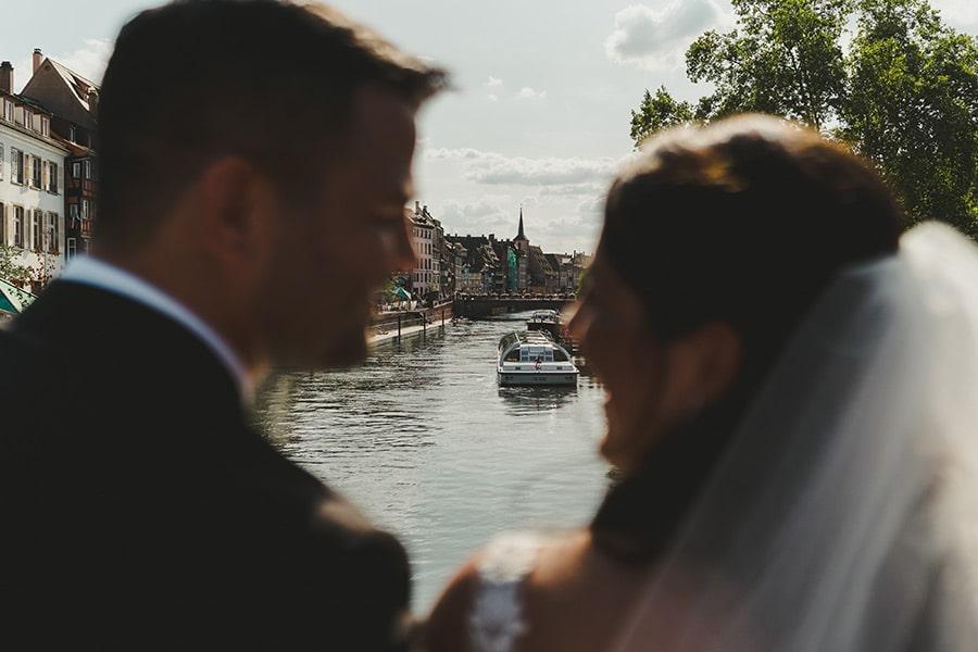 Jeunes mariés américains à Strasbourg