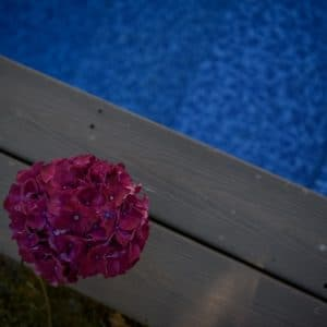 Mariage au bord de la piscine